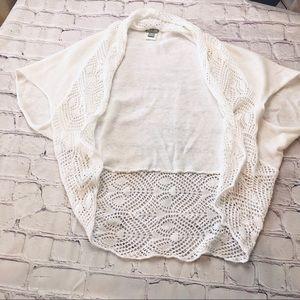 Converse crochet trim short sleeve shawl shrug